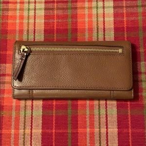 Beautiful leather Fossil wallet!